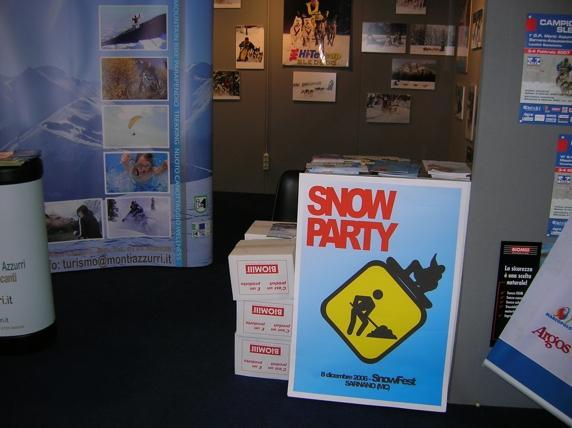 Sarnano si promuove Skipass 2006 con la Comunità Montana dei Monti Azzurri presso lo stand Antartica