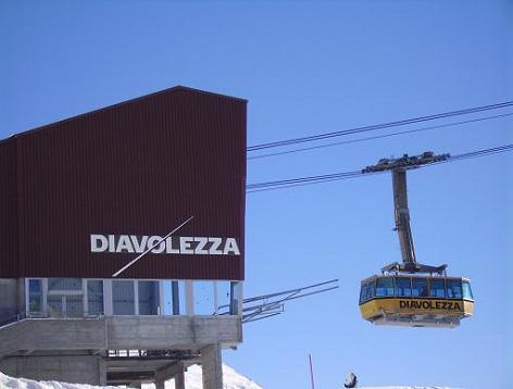 Funivia Diavolezza che da 2000 mt porta a 3000 mt - St Moritz - Saint Moritz