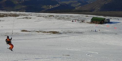 Snowkite nelle Marche Piani di Ragnolo Acquacanina