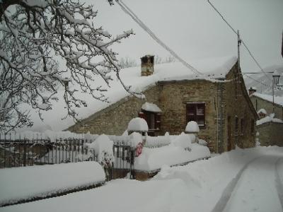 neve nel centro di bolognola