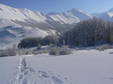 immagine del panorama sull'Alta Valle del Fiastrone
