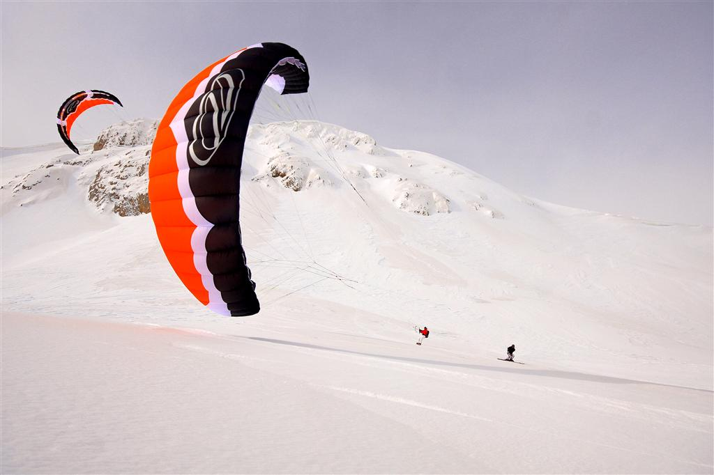 Chasta Day 2010 Snowkite Italian Tours Ovindoli a