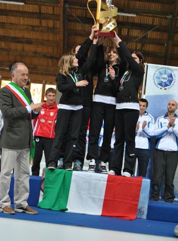 immagine premiazione campionati italiani assoluti di curling 2011