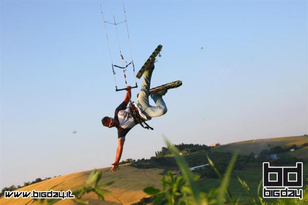 grass kiter in azione