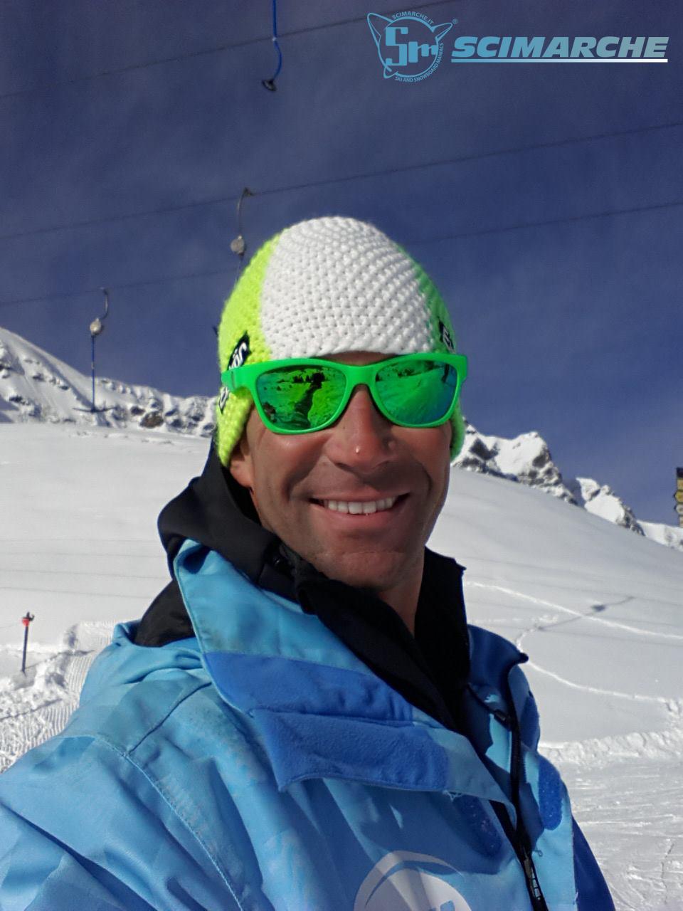 In foto il maestro di sci Rocco Ciccioli