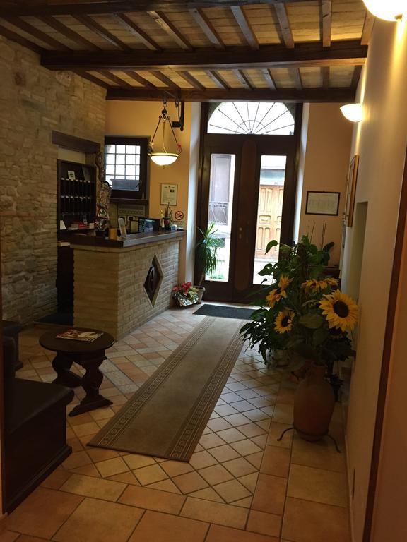 Hall - Hotel Ristorante Il Cavaliere