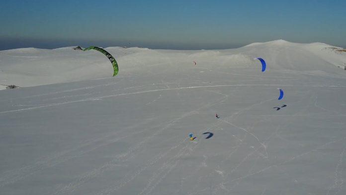 Snowkite ai Piani di Ragnolo visto dal drone di Michele Talamonti