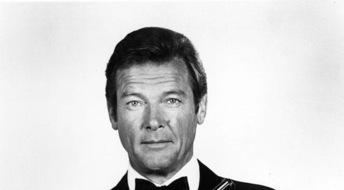 Roger Moore, James Bond 007