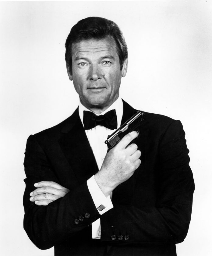 Roger Moore, James Bond 007
