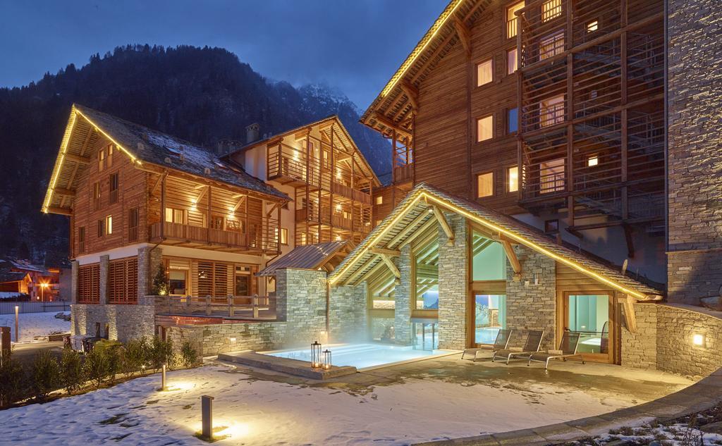Centri benessere con piscine riscaldate sulla neve - Hotel in montagna con piscina ...