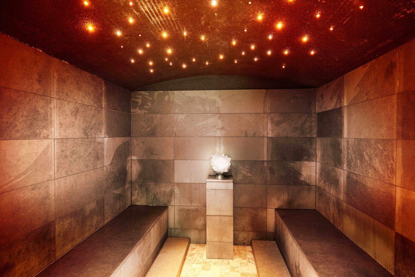 Centri benessere con piscine riscaldate sulla neve for Piani di sauna seminterrato