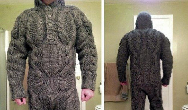 Sembra una tuta da sci invece è in maglione di lana integrale - Credits: SparckOne
