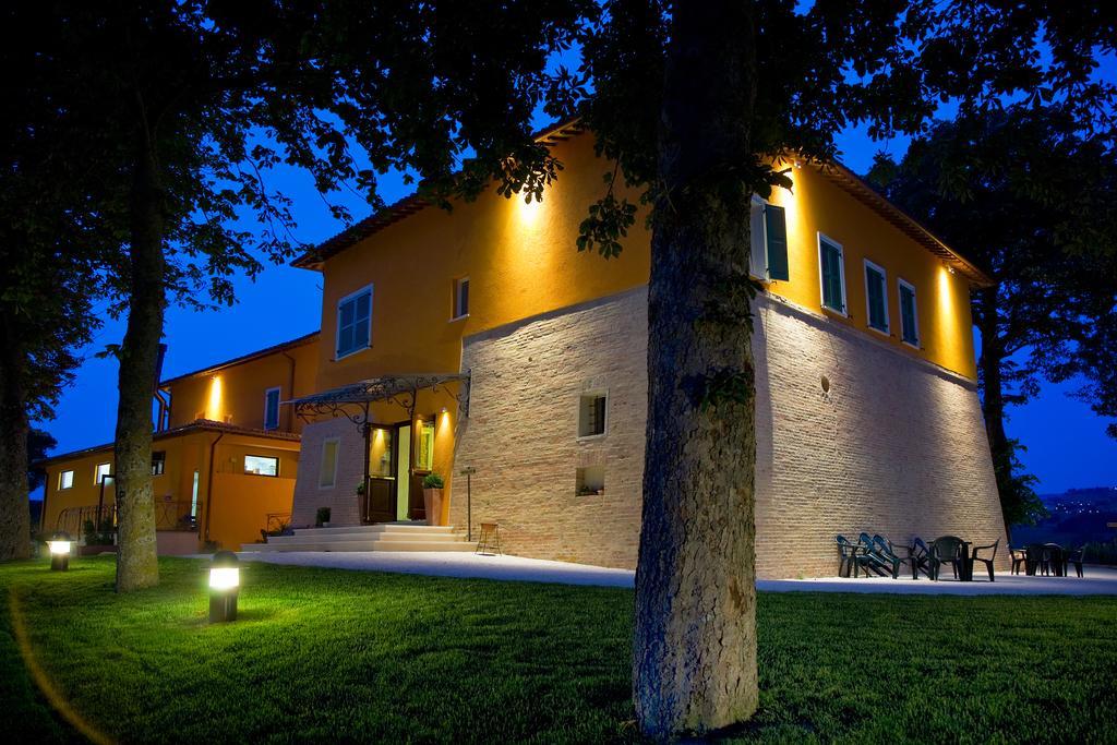 Hotel ristorante Villa Fornari, Camerino - esterno