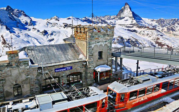 Stazione Gornergrat, trenino rosso del Bernina