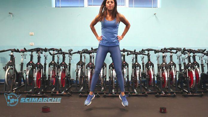 Esercizi presciistica, Combinazione di corsa laterale, jump, squat, skip alto