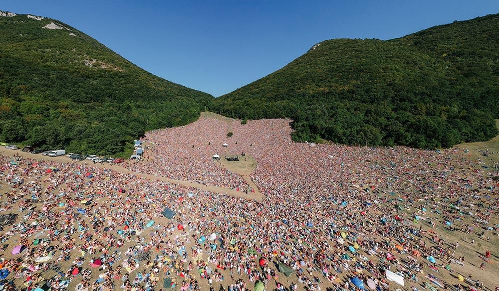 La folla al concerto di Jovanotti, Risorgimarche edizione 2018