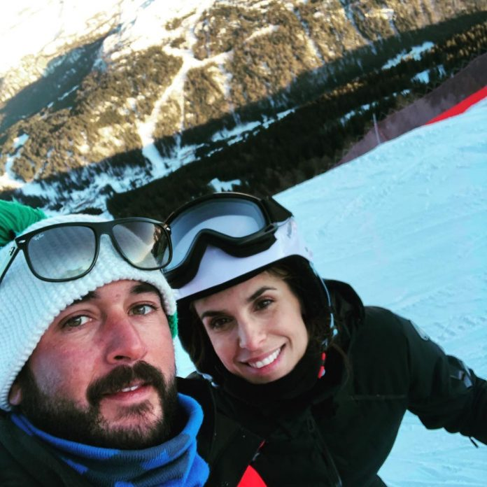 Elisabetta Canalis sulle piste insieme al suo maestro di sci Matteo Petetta