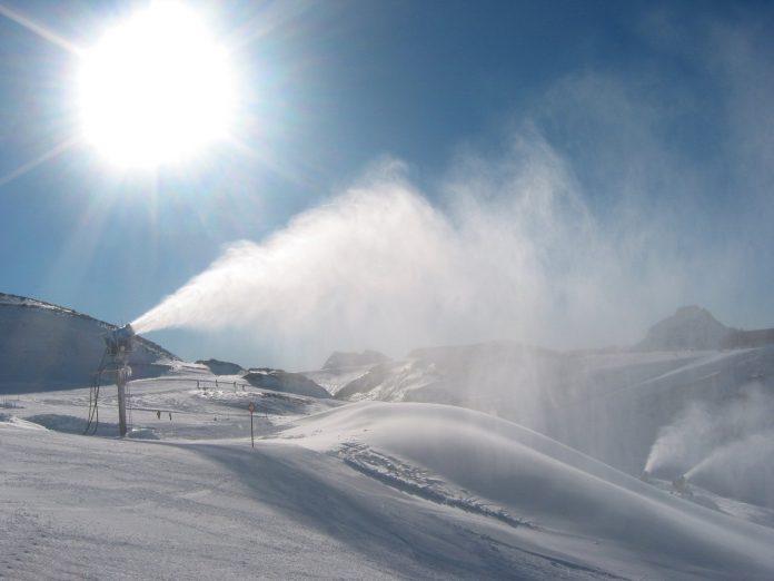 La Thuile, impianti di neve artificiale consumano meno elettricità di quanta ne producono