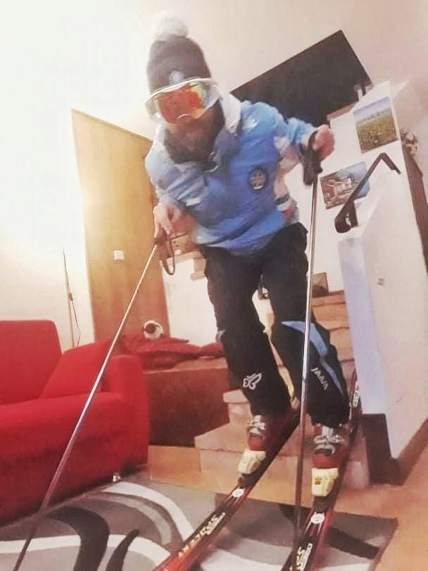Sarnano, sciatore non si rassegna al Coronavirus e scia in casa