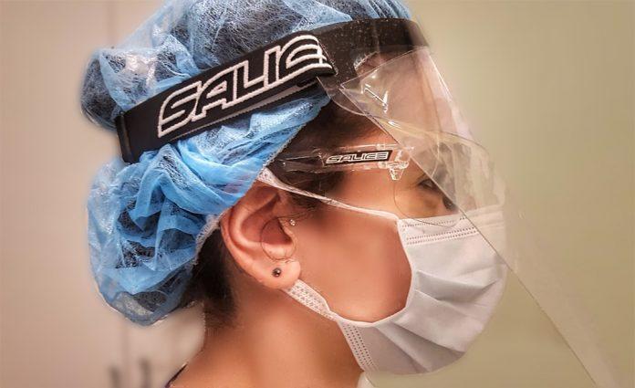 Salice produzione in corso occhiali e visiere anti Coronavirus per gli ospedali