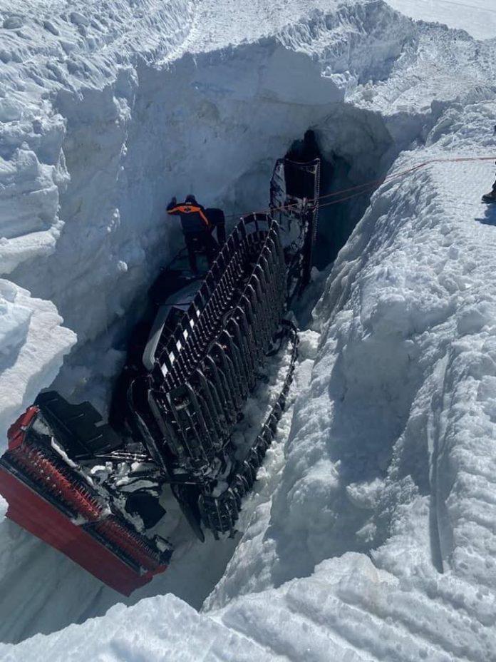 Zermatt, gatto nelle nevi precipita in un crepaccio