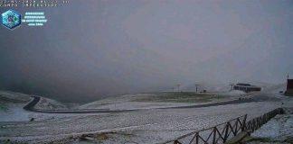 Campo Imperatore si risveglia con la neve di fine maggio